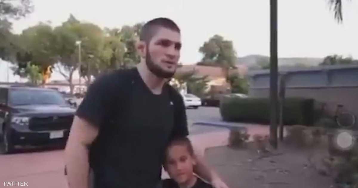 بالفيديو.. نورمحمدوف يحبط طفلا برشلونيا مقابل