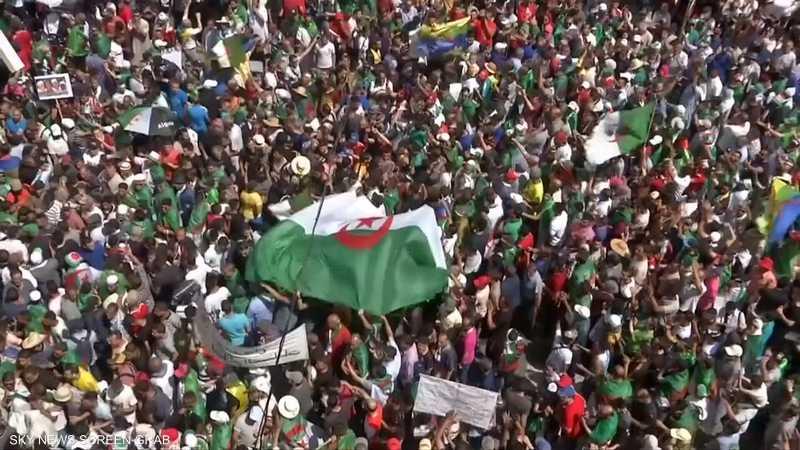 قايد صالح: للجزائر علم واحد