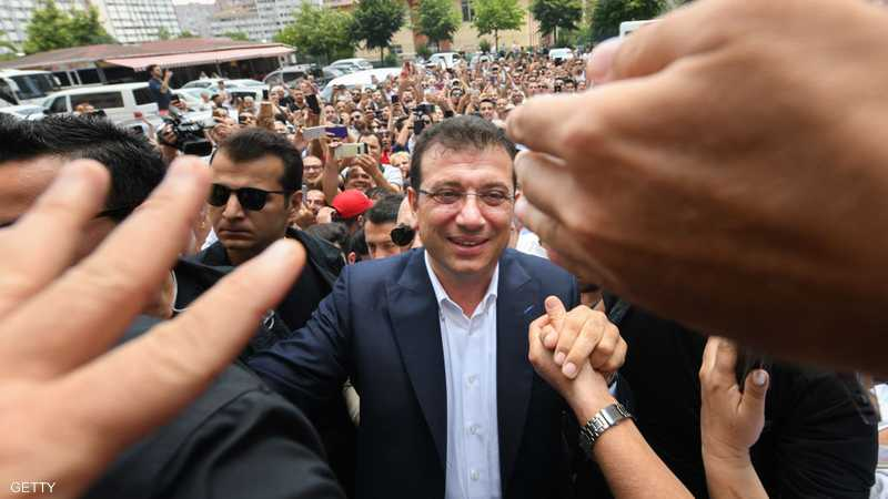 وزير داخلية تركيا يتراجع أمام عمدة إسطنبول