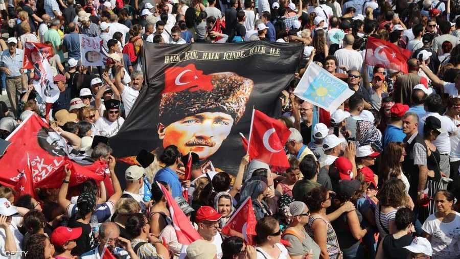 داعمو إمام أوغلو يراهنون على حل مشاكل كثيرة في اسطنبول