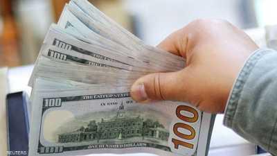 الدولار يتراجع بعد أكبر خسارة في 4 أشهر