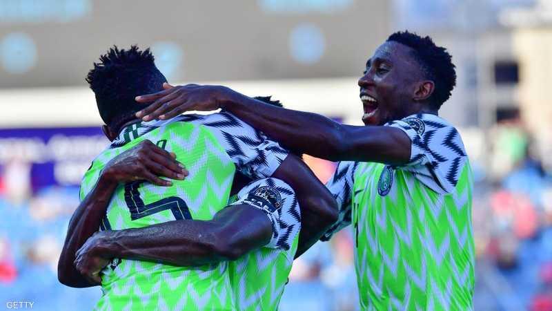 نيجيريا تعبر إلى ثمن النهائي من بوابة غينيا
