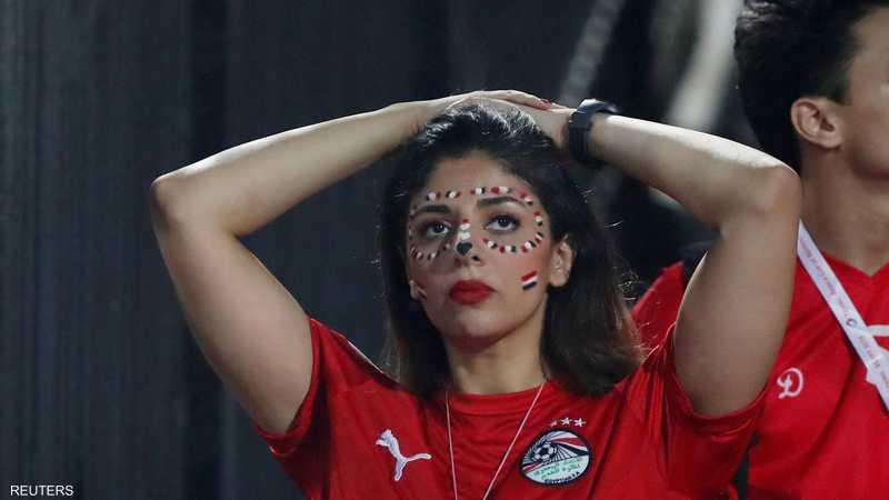 الجمهور لا يصدق خروج الفراعنة من البطولة