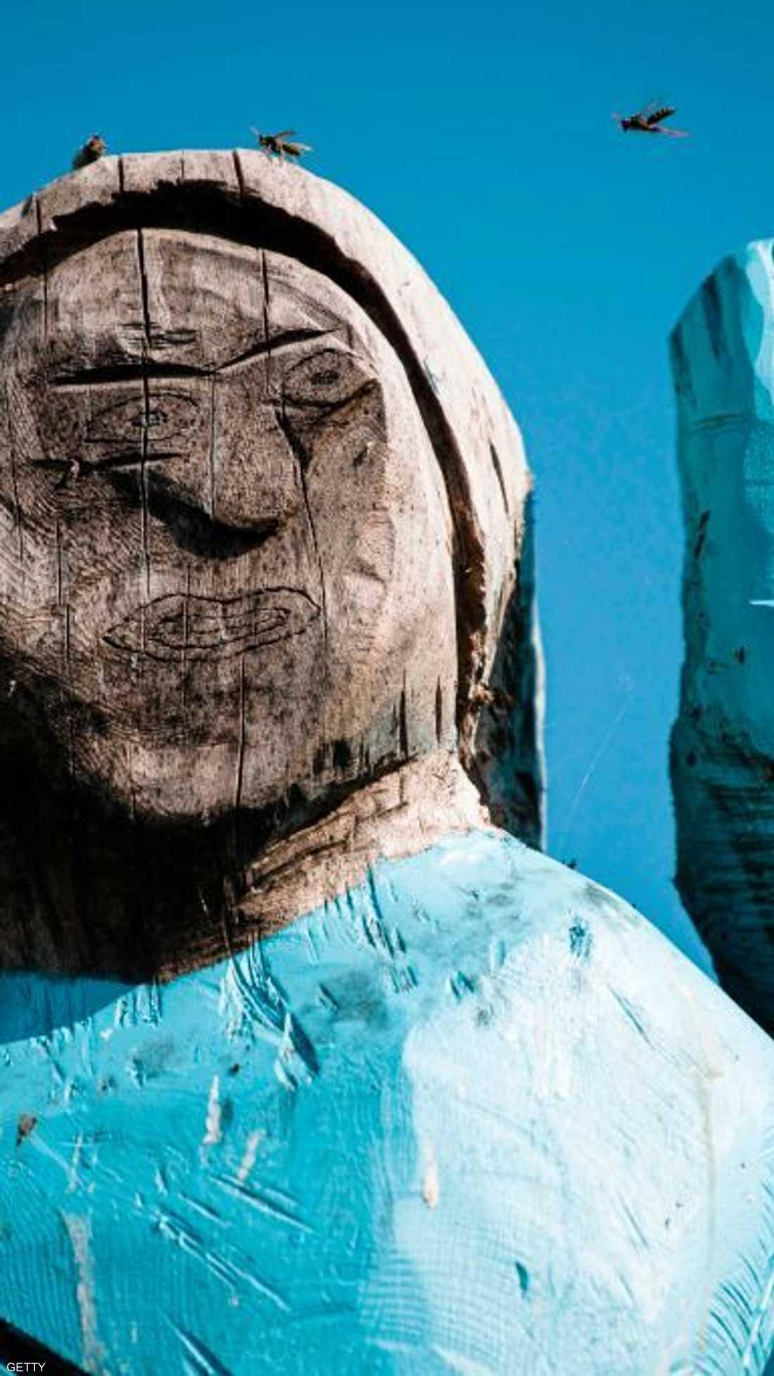 تمثال ميلانيا ترامب الخشبي