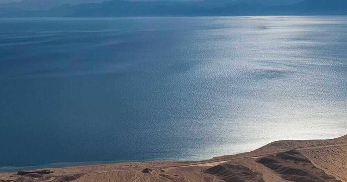 ملحمة كروية دولية على شاطئ  نيوم  السعودي   أخبار سكاي نيوز عربية