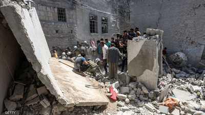مقتل نازحين بينهم أطفال في غارات على إدلب