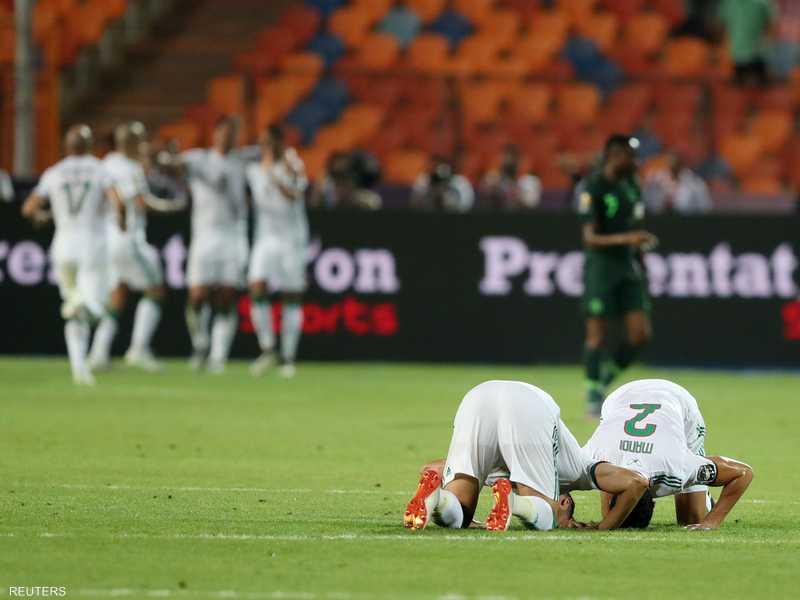 فرحة لاعبي الجزائر بعد تسجيل الهدف الأول