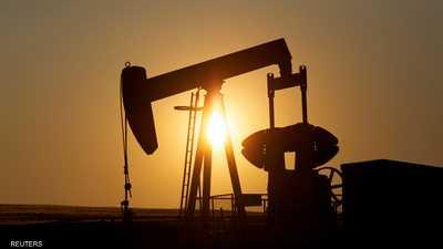 النفط يستقر مع هبوط مخزون الخام الأميركي