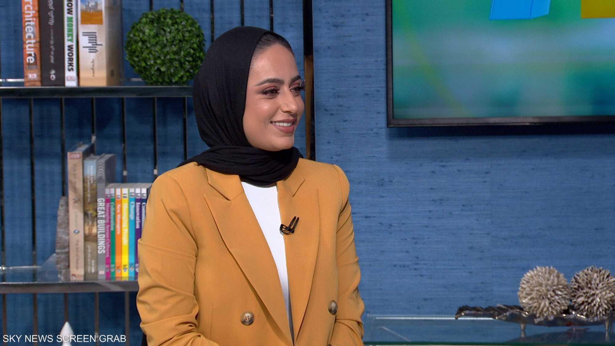 المدونة دينا الشريف تناقش أفكار التجميل مع 250 ألف متابع