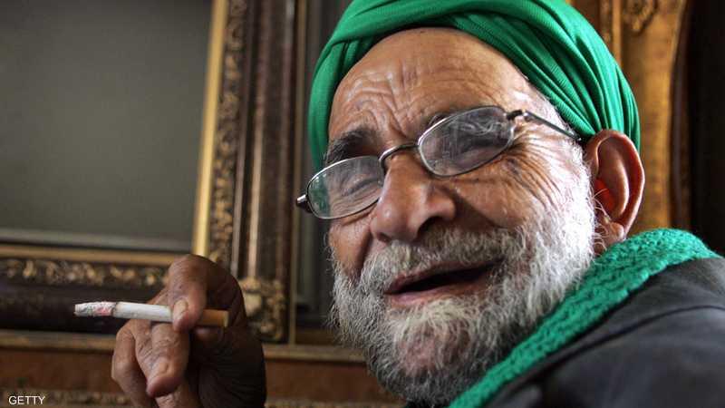 النظام الإيراني يخصص الملايين للتجارة في السجائر.