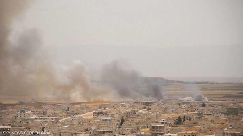 الجيش السوري يقصف الجيب الشمالي الغربي من البلاد