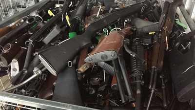 مواطنو نيوزيلندا يسلمون 10 آلاف قطعة سلاح