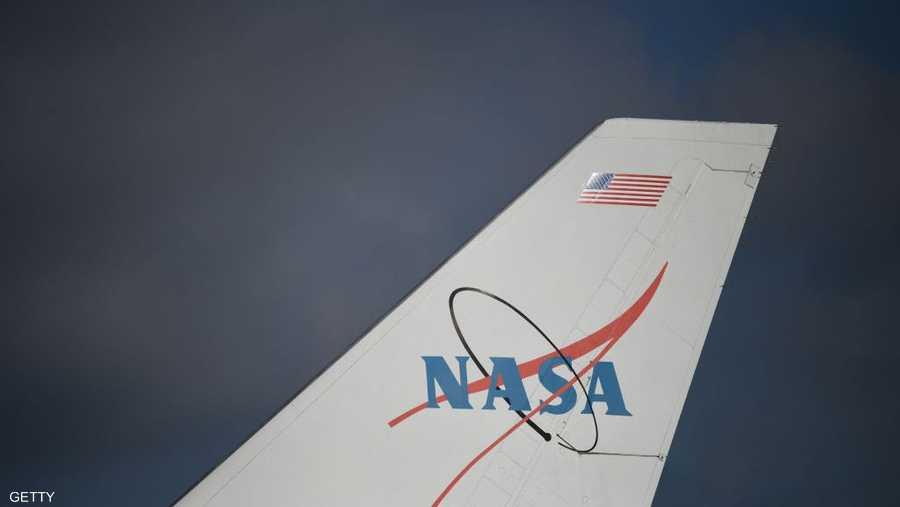 """شعار """"ناسا"""" على طائرة أميركية"""