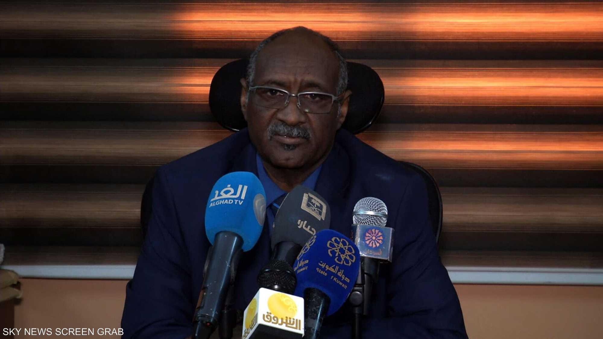 حلول السودان.. تحقيق في الداخل ومفاوضات في الخارج