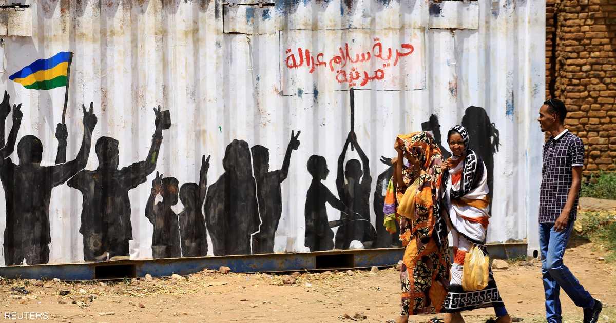 الاقتصاد السوداني يتحسس خطواته وتحذيرات من انهياره