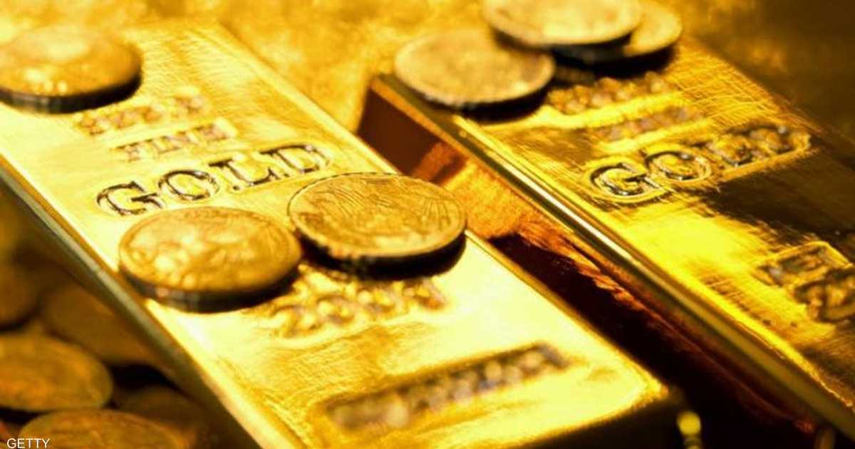 التوترات الإيرانية ترفع سعر الذهب والدولار يضعف المكاسب