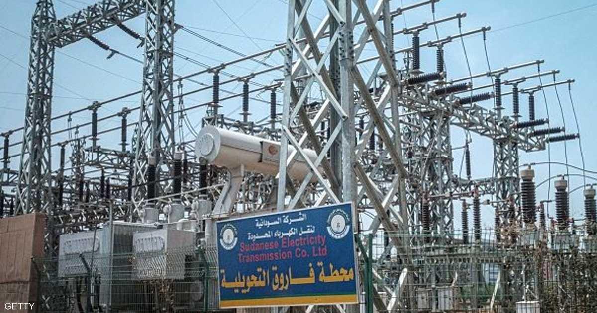 إقرار واعتذار ووقود فاسد.. أزمة الكهرباء بالسودان تبحث عن حل