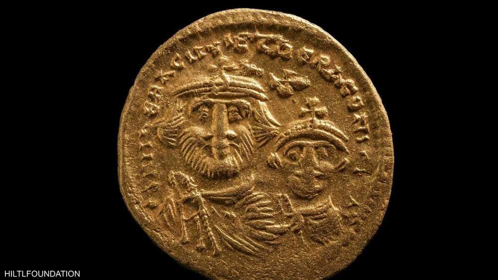عملات ذهبية وحلي جرى اكتشافها تحت مياه الإسكندرية
