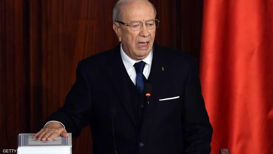 السبسي يؤدي القسم الدستوري في ديسمبر 2014