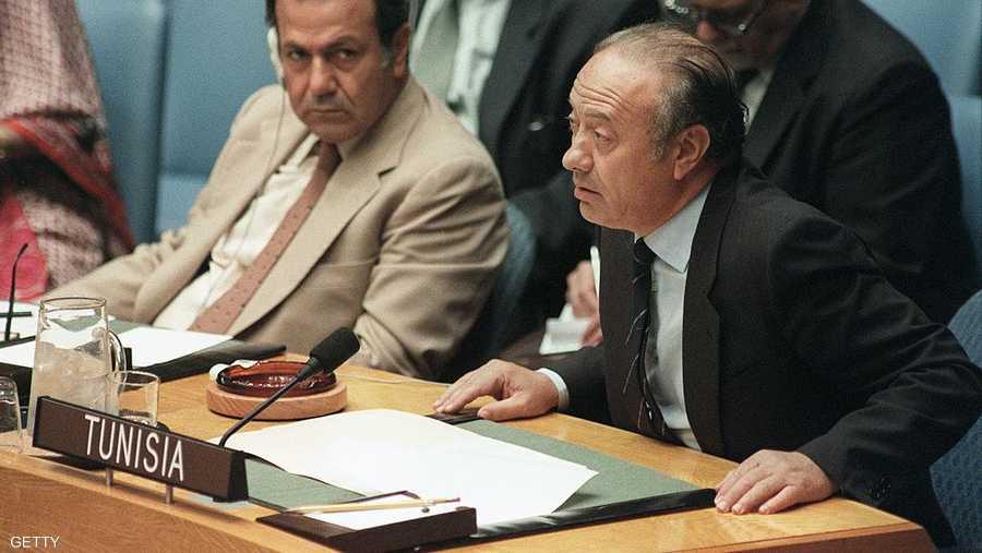 السبسي، رئيس وزراء تونس وقتها، يتحدث أمام مجلس الأمن عام 1985