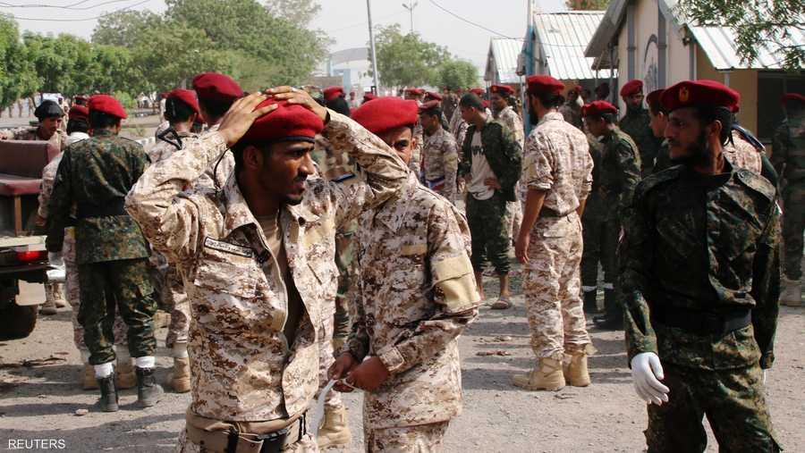 الهجوم على معسكر الجلاء تم بصاروخ باليستي أطلقته ميليشيات الحوثي، واستهدف عرضا عسكريا.