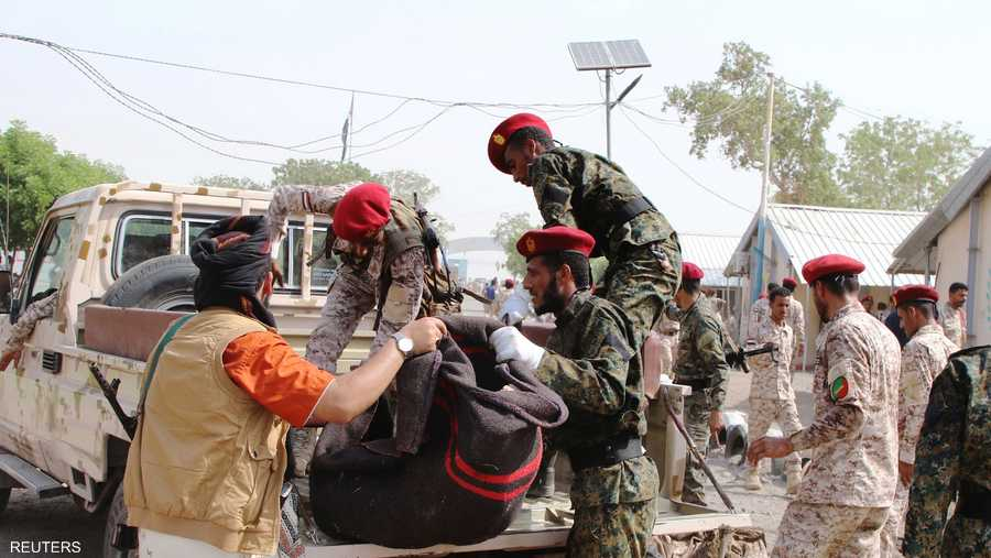 قالت مصادر أمنية وطبية إن 32 شخصا على الأقل قتلوا في الهجوم على العرض العسكري.