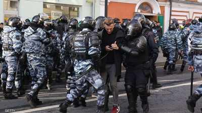 حشود هائلة في احتجاجات موسكو.. وتوقيف 136 شخصا