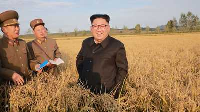 """زعيم كوريا الشمالية يتابع تجربة """"سلاح جديد"""""""