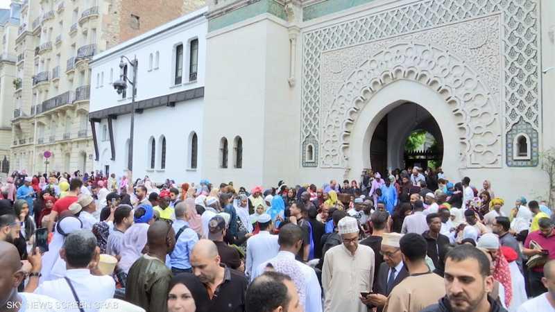 هكذا يحتفل المسلمون بعيد الأضحى في فرنسا