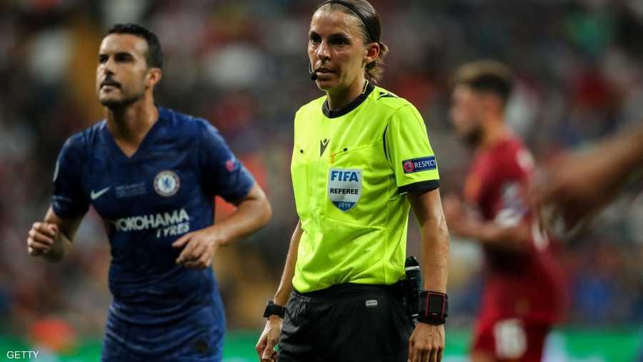 فرابارت (35 عاما) أول امرأة تحكم في مباراة بالدوري الفرنسي الدرجة الأولى أبريل 2019
