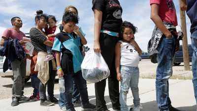 محكمة أميركية تؤكد حق أطفال المهاجرين.. في الصابون