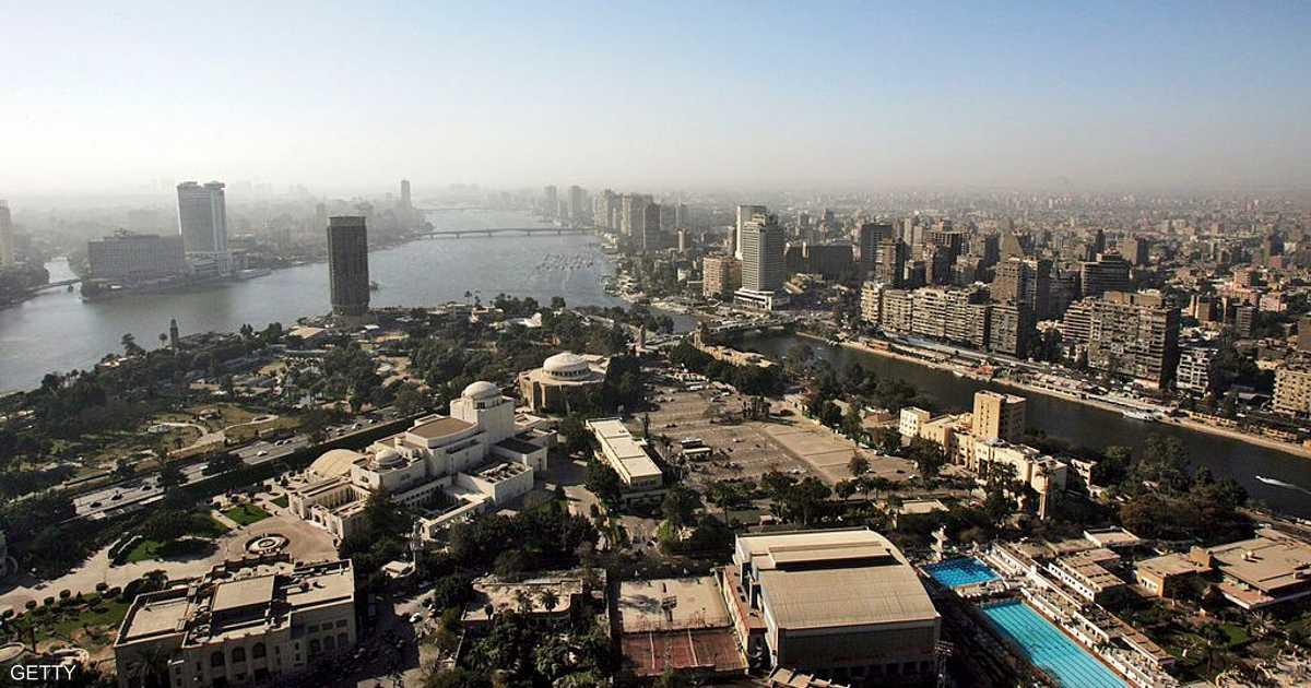 السيسي يطالب بإخلاء القاهرة من الوزارات والمقار الإدارية