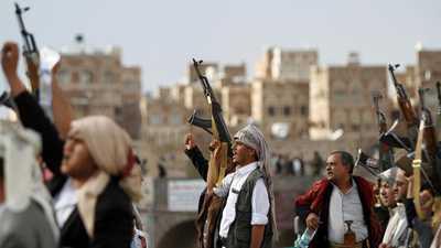 """4 صواريخ تكشف """"فشل الحوثيين"""" في ذمار"""