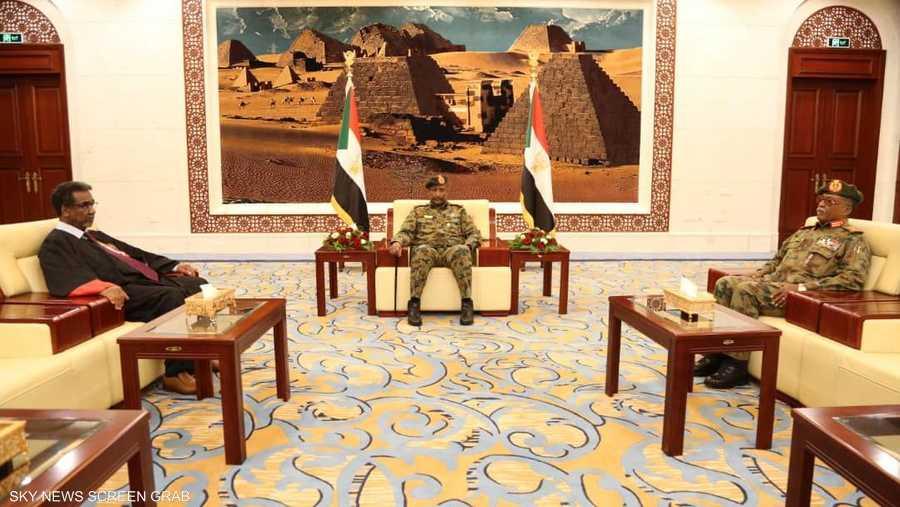 البرهان رئيسا للمجلس السيادي السوداني بشكل رسمي