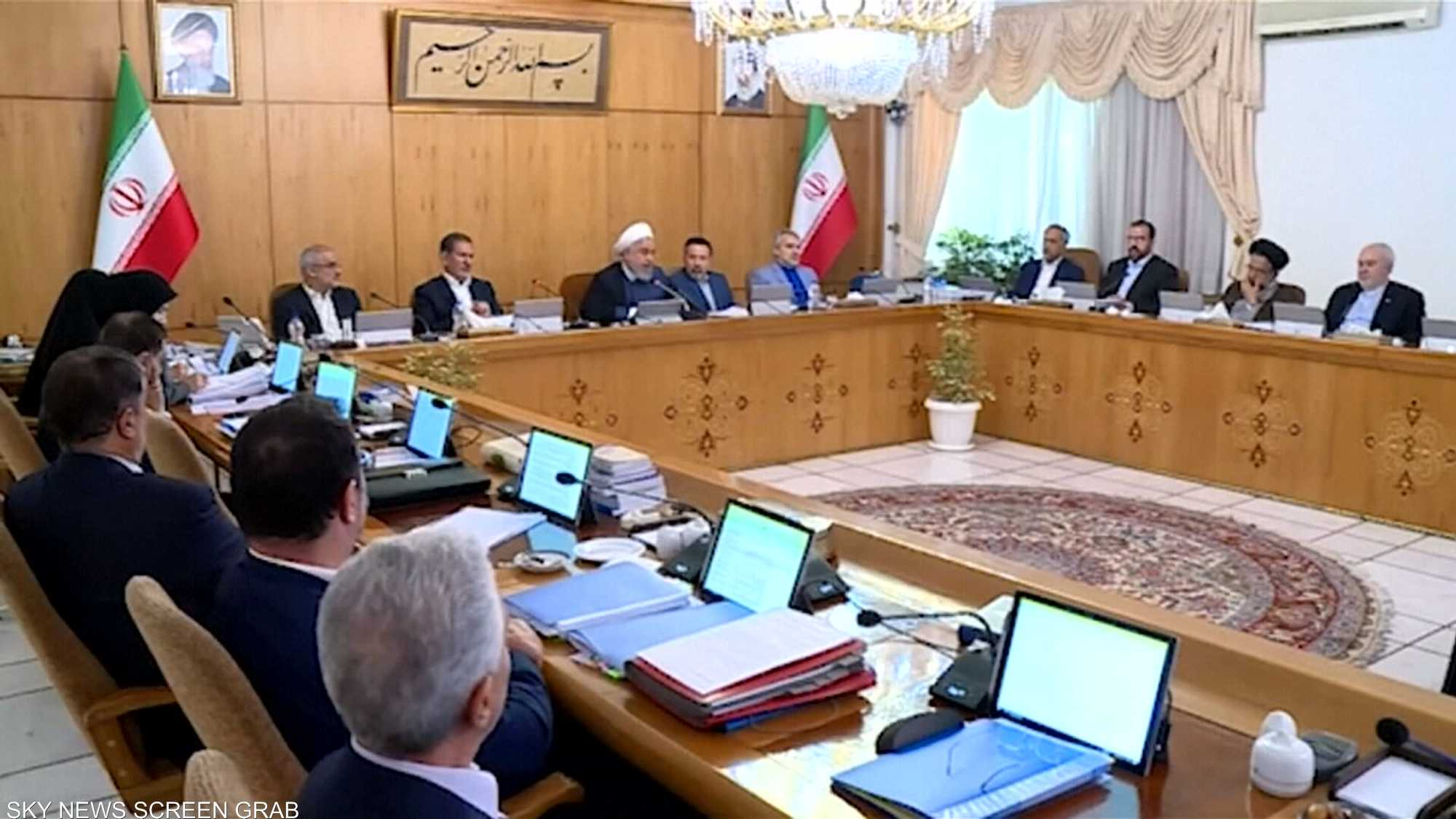 روحاني يهدد بزعزعة أمن الممرات المائية الدولية