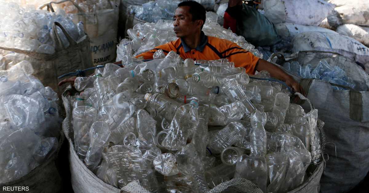 الصحة العالمية تحسم خطورة البلاستيك في مياه الشرب