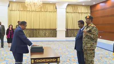 حمدوك يؤدي اليمين القانونية رئيسا للوزراء