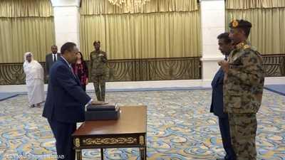 """بين حمدوك والبرهان.. هل يعبر السودان """"الانتقالية"""" بأمان؟"""