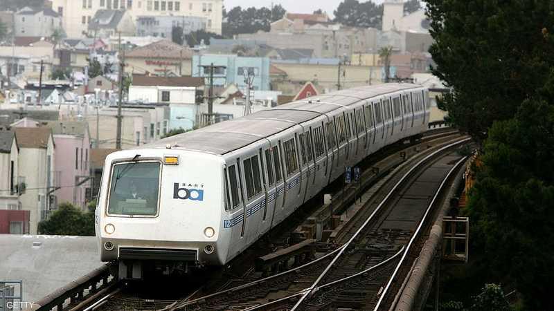 جرحى بعد خروج قطار ركاب عن القضبان في كاليفورنيا