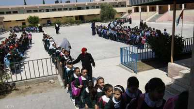 نصاب تسبب بهدم 3 مدارس في مصر.. والأزمة أمام مجلس النواب