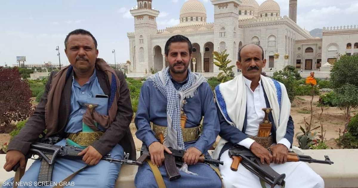انشقاق قائد عسكري إخواني وانضمامه للحوثيين في صنعاء