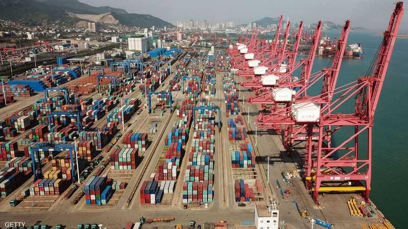 ترامب رفع الرسوم بنسبة خمسة بالمائة على الواردات من الصين