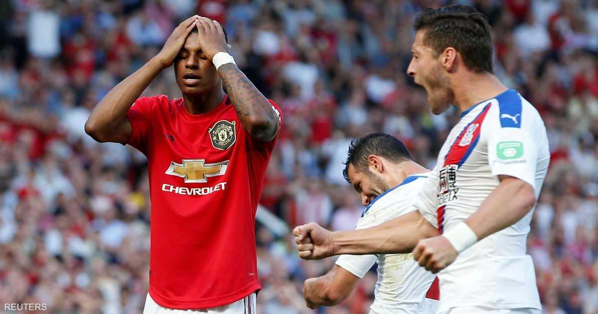 """في الثواني الأخيرة.. """"سقوط مؤلم"""" لمانشستر يونايتد على ملعبه"""