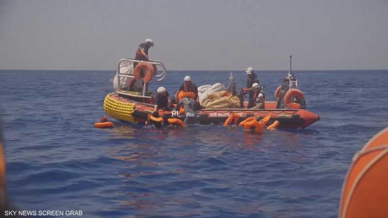 إيطاليا توقف 3 رجال بتهمة تعذيب مهاجرين في ليبيا