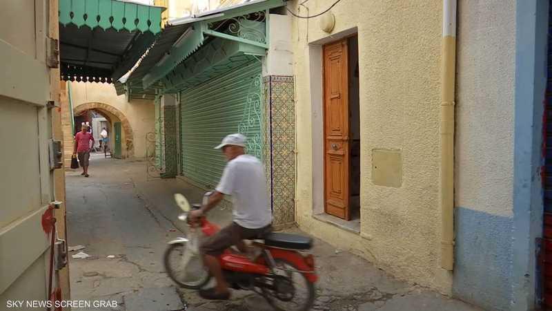 القروي.. من منزل متواضع إلى ركب رجال الأعمال والسياسة بتونس