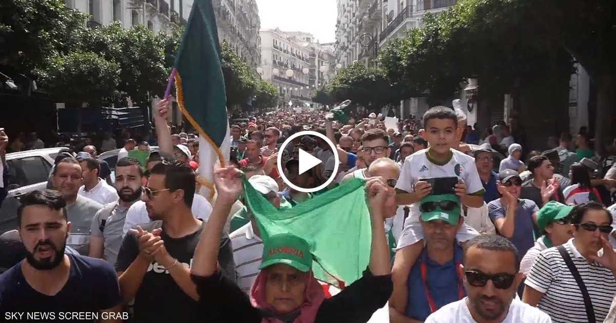 آلاف الجزائريين يتظاهرون في الجمعة 31 للحراك