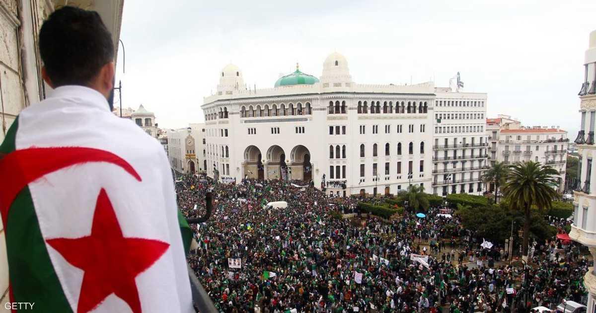 """قايد صالح يؤكد على """"مصداقية مواقف"""" الجيش الجزائري"""