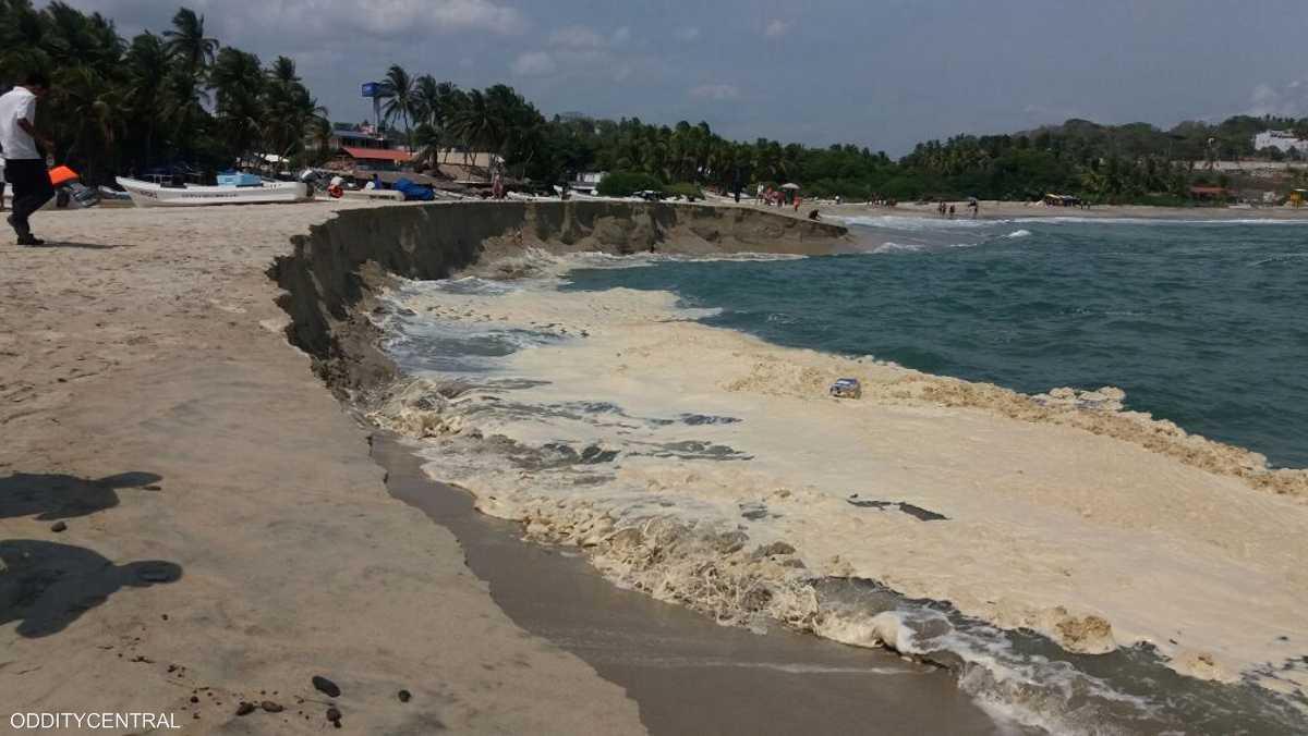 الشاطئ يتأثر بعواصف بعيدة