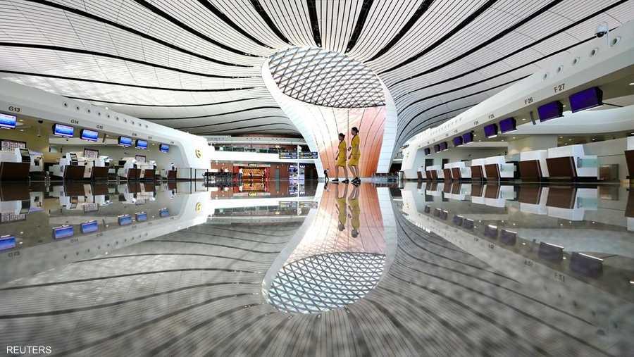 يأتي المطار الجديد بحجم 100 ملعب كرة قدم، ويتوقع أن يصبح من أكثر المطارات ازدحاما في العالم