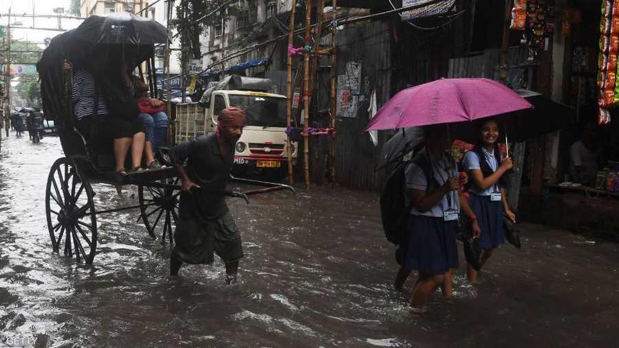 توقعات الأرصاد الجوية تشير إلى استمرار هطول الأمطار